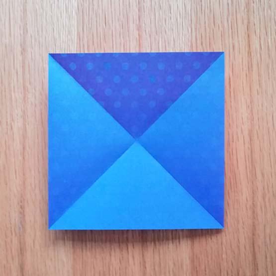 折り紙で風車の作り方1