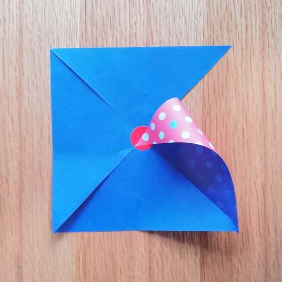 折り紙で風車の作り方3