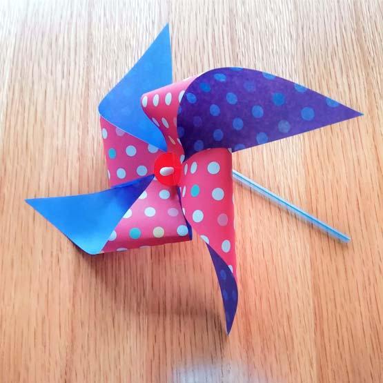 折り紙とストローでつくった風車